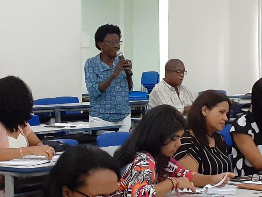 Diretora da Fenatrad concede entrevista sobre como as trabalhadoras domésticas estão enfrentando a pandemia de covid-19
