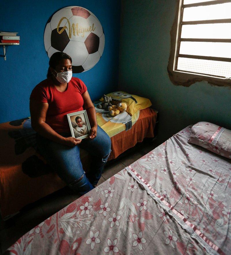 """Matéria na Revista Times com entrevista de Luiza Batista- """"Não podemos aguentar mais"""". Como a morte de um menino de 5 anos estimulou as trabalhadoras negras brasileiras a lutar por um tratamento melhor"""