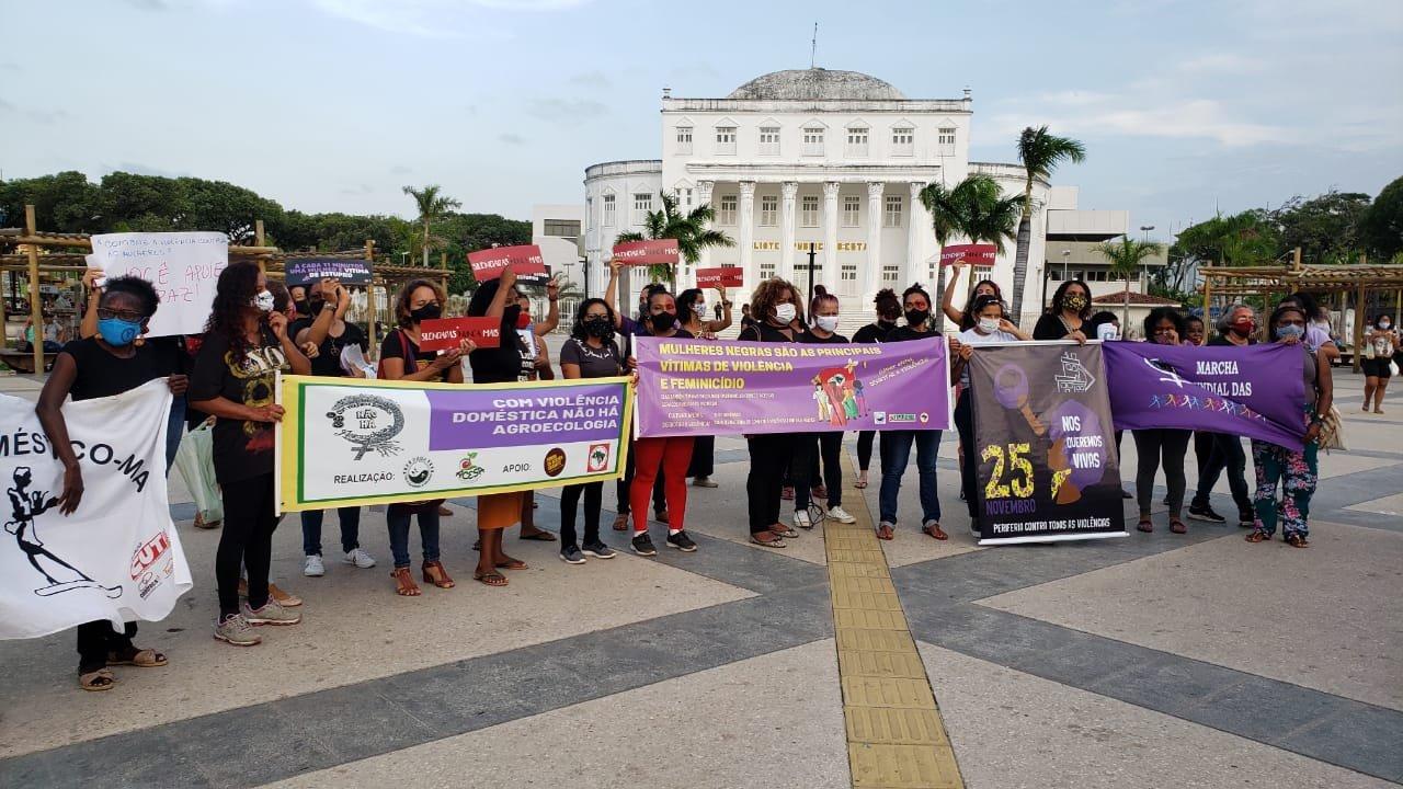 FENATRAD participa de ato em combate à violência contra a mulher