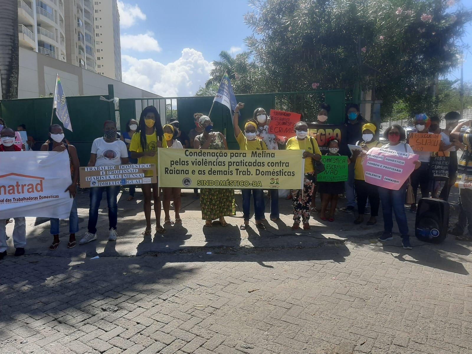 FENATRAD e Sindoméstico/BA realizam protesto contra a violência sofrida pela trabalhadora doméstica Raiana Silva